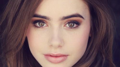 Девушка с красивыми глазами