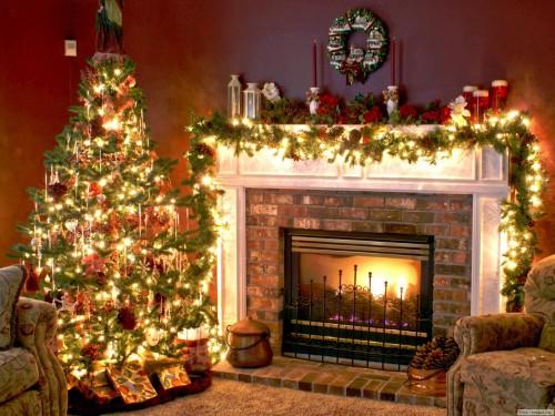 Новогодняя елка у камина