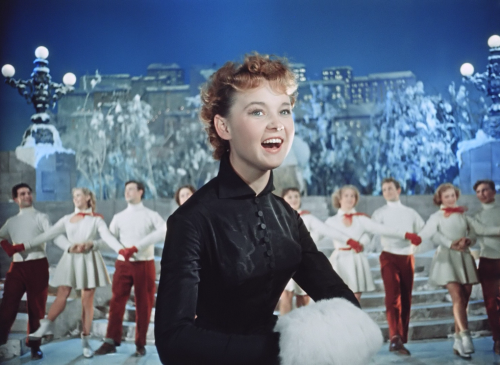Кадр из фильма Карнавальная ночь