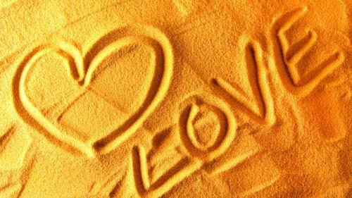 Признание на песке