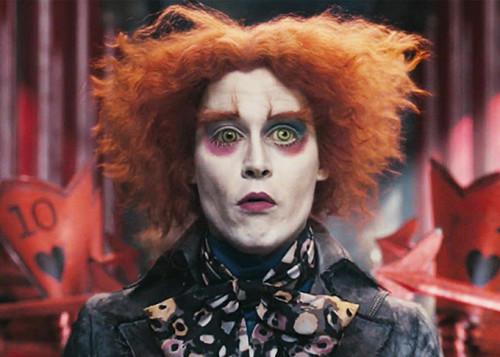 Кадр из фильма Алиса в стране чудес, Джонни Депп в роли Шляпника