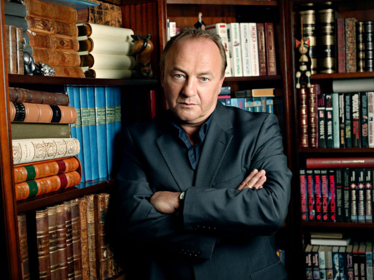 Януш Вишневский среди книг