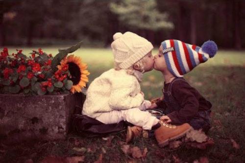 Поцелуй детей