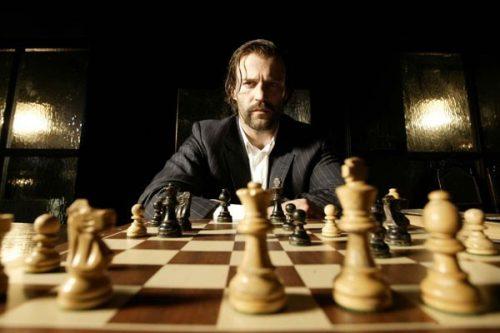 Шахматная партия из фильма Револьвер