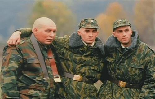 Кадр из фильма ДМБ